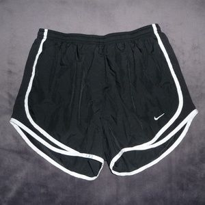 NWOT Nike Dri-Fit Tempo Run Shorts M